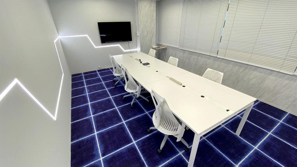 宇宙船のような会議室